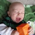У дитини ріжуться зубки: симптоми, терміни і поради мамам