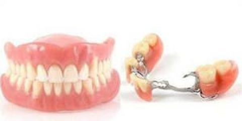 Як доглядати за зубними протезами